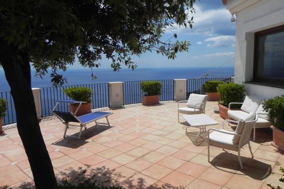 Amalfi Italië IT-84010-48_Calamaro_terras met zeezicht_2_Belvilla vakantiehuizen