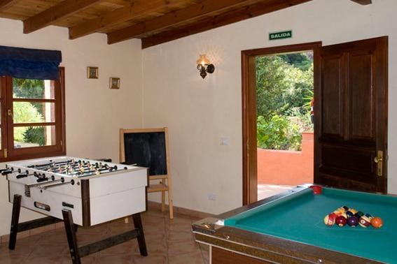 ES-35420-01_Casa el Laurel_voetbaltafel_Gran Canaria_Belvilla vakantiehuizen