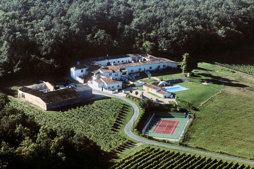 vakantiedomein_Charente_Domaine de Saint Preuil_zwembad_tennisbaan_Belvilla vakantiehuizen