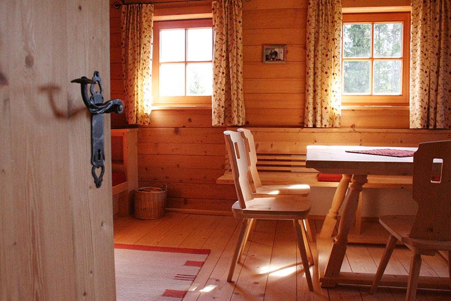 boerderij eetkamer Hopfgarten im Brixental Tirol Oostenrijk Belvilla vakantiehuizen
